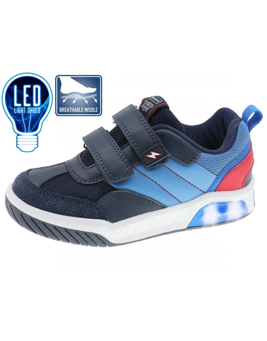 Sapato juvenil para menino, em pele sintética e nylon.